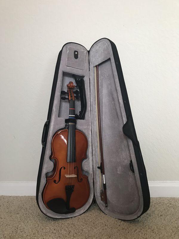 4/4 Student Violin w/ Case