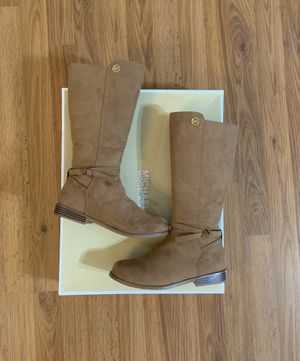 NEW! Size 4 Girls Boots for Sale in Las Vegas, NV