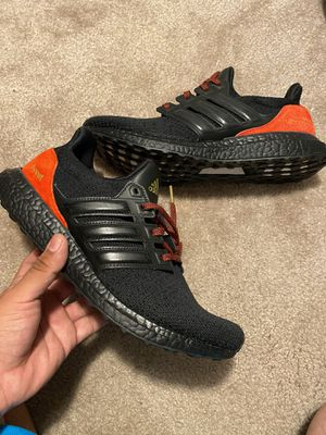 Adidas ultra boost dna men size 10 for Sale in Lancaster, CA