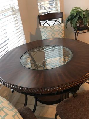 Kitchen Table with 4 chairs for Sale in Tampa, FL