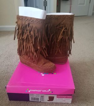 Girls Boots Size 3 for Sale in Charlotte, NC