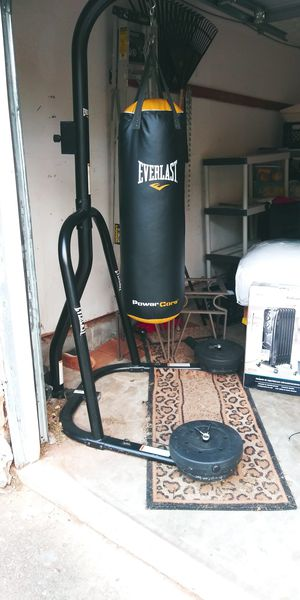 Everlast Heavy Bag with free weights for Sale in Decatur, GA