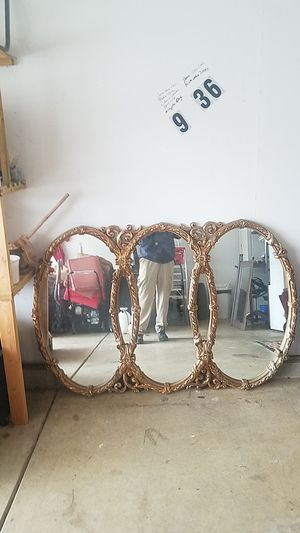 Wall mirror for Sale in Obetz, OH