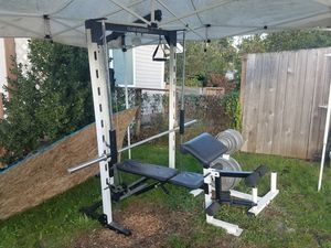Smith Machine w/ Lat pulldown and low pulley for Sale in Mill Creek, WA