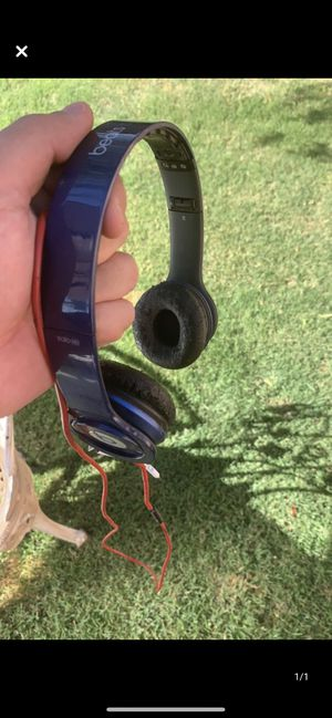 Beats solo headphones for Sale in Madera, CA
