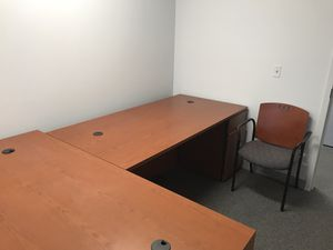 Office furniture for Sale in Oakbrook Terrace, IL