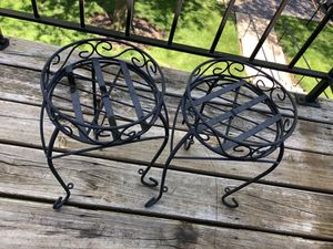 Plant pots and stands for Sale in Mount Prospect, IL