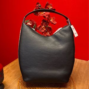 Leather Purse (price negotiable) for Sale in Cleveland, OH