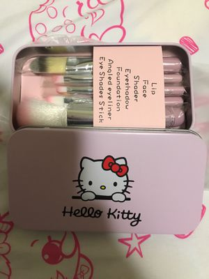 Hello Kitty makeup brushes set for Sale in Daly City, CA