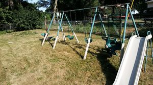 Free little one's can still get some use out of this swingset for Sale in Bay City, MI