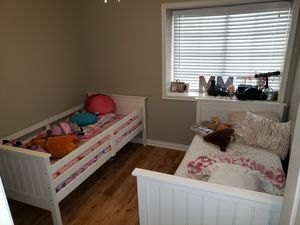 2 twin bunk beds / converts to 2 twin single beds... $250 obo for Sale in Las Vegas, NV
