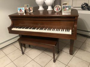 Free piano, serious inquiries only! for Sale in Carteret, NJ