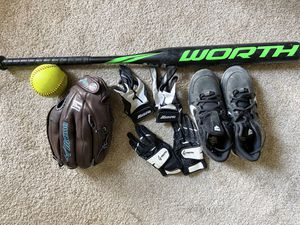 Baseball/softball set for Sale in Berwyn Heights, MD