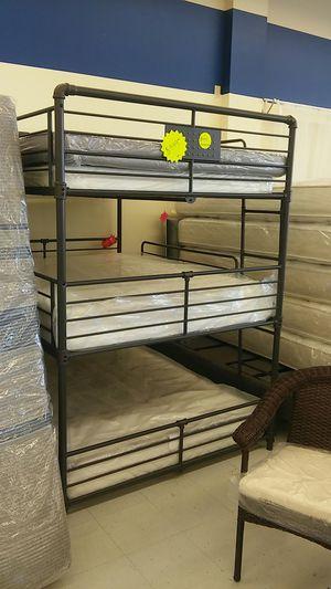 Full//full//full bunk bed on black (metal bunk bed) for Sale in Midvale, UT