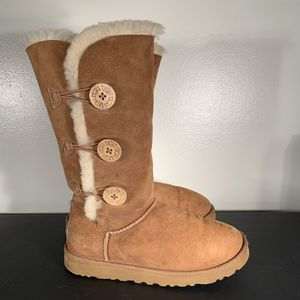 UGG Triple Button Bailey Boot Chestnut Brown for Sale in Philadelphia, PA