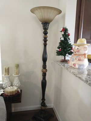 Very large lamp,77075 for Sale in Pearland, TX