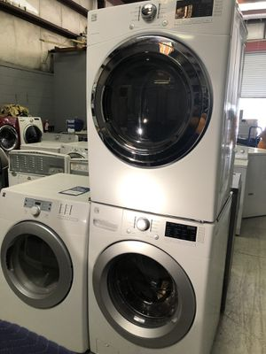 Kenmore Washer and Dryer Set with Stackable Kit for Sale in Kissimmee, FL