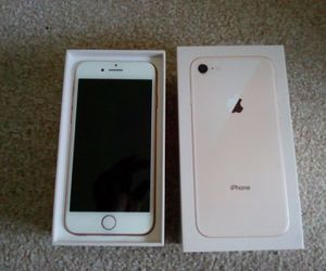 iphone 8 *Factory unlocked *like new *30 days warranty for Sale in Springfield, VA