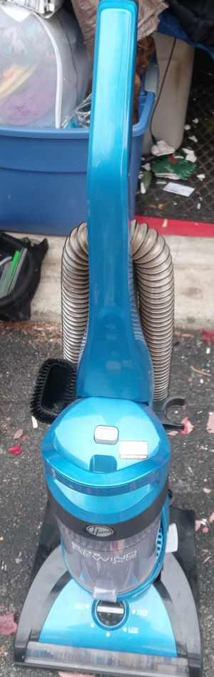 HOOVER ELITE REWIND VACUUM CLEANER. for Sale in Whitehall, OH