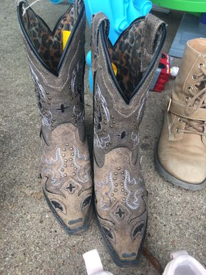 Girls boots size 11 for Sale in Pasadena, TX