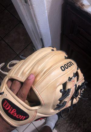 A2000 Baseball Glove 11.5 for Sale in Vallejo, CA
