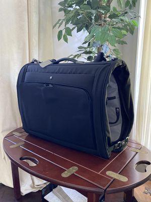 Victorinox garment bag (like new) for Sale in Renton, WA