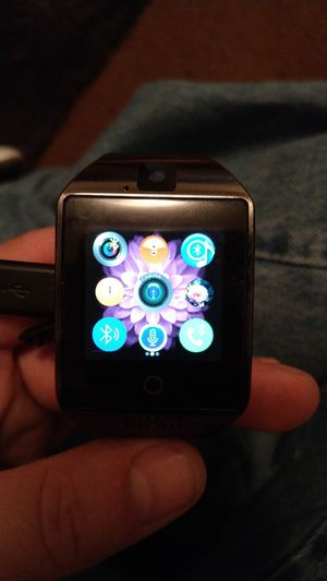 Q18 smartwatch has speaker camera all fuctions for Sale in Las Vegas, NV