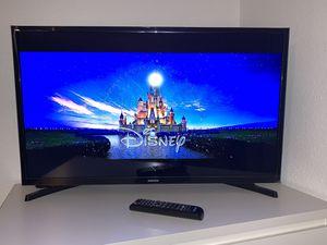"""Samsung Smart TV 29"""" x 17"""" inch for Sale in Anaheim, CA"""