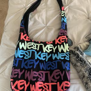 Casual Purse (wallet free and Incldued) for Sale in Nokesville, VA