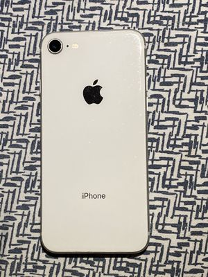 iPhone 8 T-Mobile 64gb for Sale in Fort Myers, FL