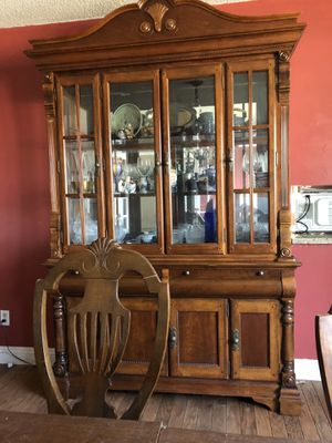 Dining room furniture for Sale in Bakersfield, CA