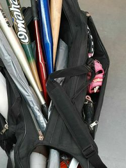 Kids Baseball Gear With Bag for Sale in Lynnwood,  WA