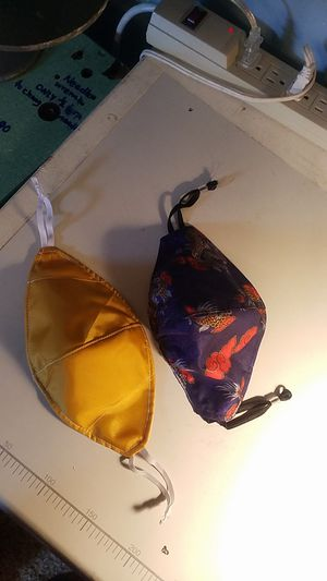 Mascarillas de 2 telas, con filtro interior...reversibles...2 fabric masks , with internal filter reversible.. for Sale in Winston-Salem, NC