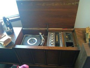 Sears and roabuck floor model antique radio for Sale in Kingsport, TN