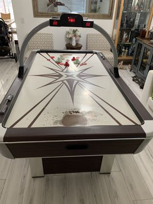 Air hockey table for Sale in Jurupa Valley, CA