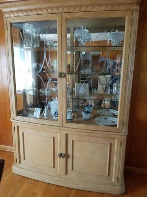 Curio Cabinet for Sale in Morgantown, WV