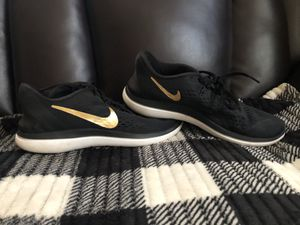 MEN's NIKE SNEAKERS for Sale in Middlesex, NJ