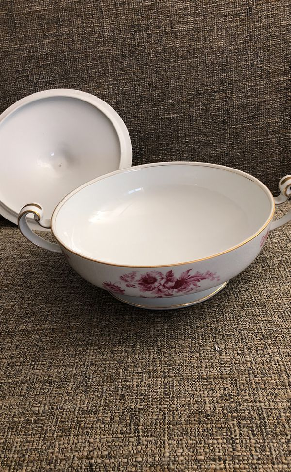 Vintage Serving Ware. Please see all the pictures and read the description