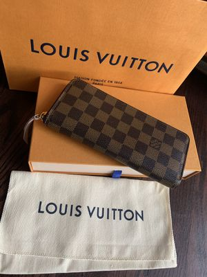 Louis Vuitton Clemence wallet for Sale in Anaheim, CA