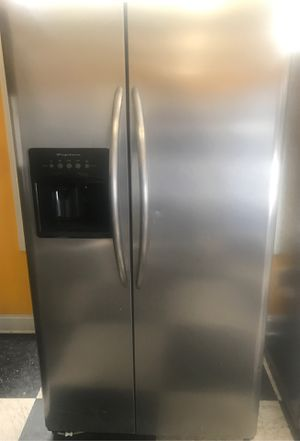 Frigidaire Stainless Side by Side Refrigerator for Sale in Flat Rock, NC