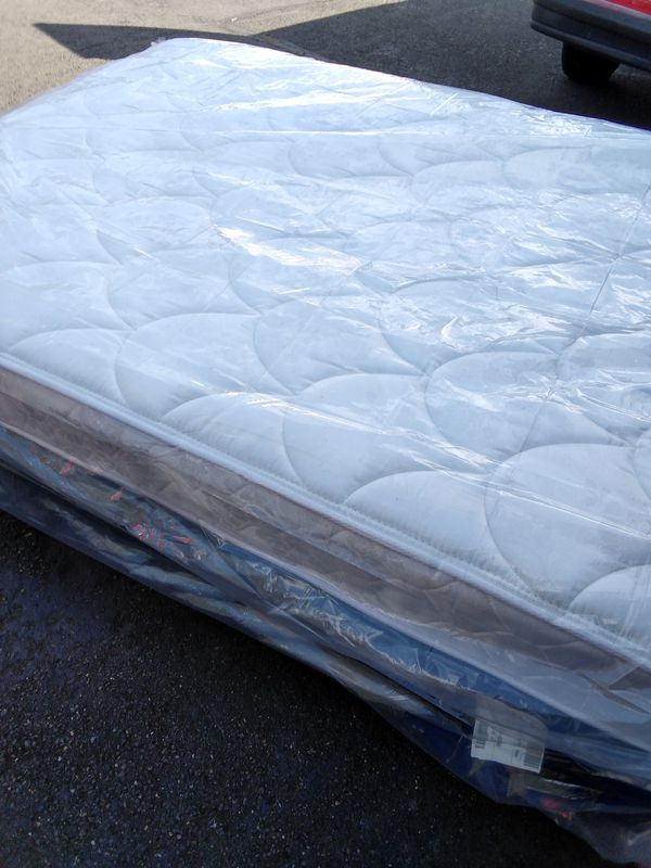 FREE DELIVERY! FULL SIZE BED. COMPLETE. STEAM CLEANED/SANITIZED.