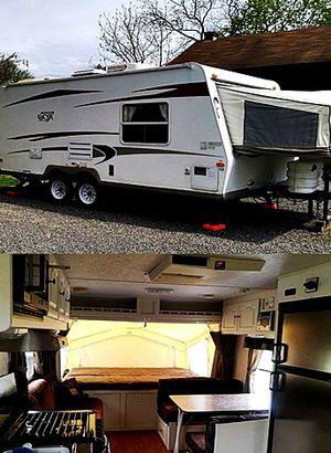 hybrid camper Rockwood ROO Forest River 09 19ft. for Sale in Riverside, CA