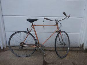 Bike schwinn vintage 10 speed road bike for Sale in Philadelphia, PA