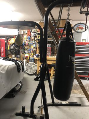 Everlast home boxing gym - includes heavy bag and speed bag in exc cond! for Sale in Lake Worth, FL