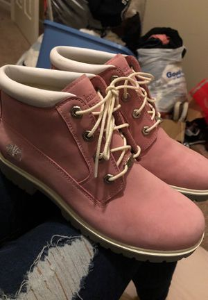 Timberland pink girl boots, Size 8, worn once for Sale in Ball Ground, GA