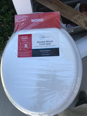 Molded wood toilet seat for Sale in Fontana, CA