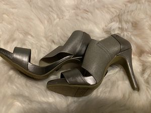 Simply Vera-Vera Wong heels 71/2 for Sale in Redmond, WA