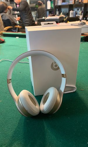 Beats solo 2 wireless for Sale in Auburn, WA