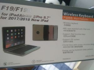 """Wireless keyboard for iPad 9.7"""" for Sale in Lufkin, TX"""