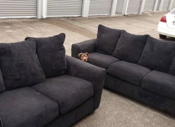 CLEAN And NEATLY Used 2 Piece Set Couch for Sale in Dublin,  OH